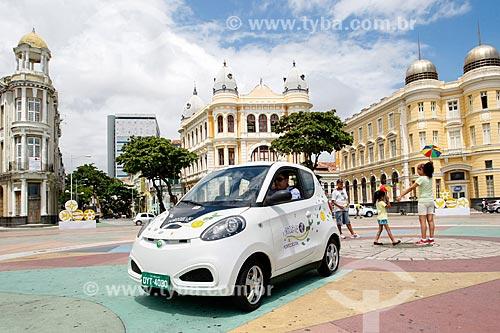 Carro elétrico no Praça do Rio Branco - também conhecido como Marco Zero  - Recife - Pernambuco (PE) - Brasil