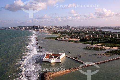 Foto aérea do Forte dos Reis Magos (1599) com a cidade de Natal ao fundo  - Natal - Rio Grande do Norte (RN) - Brasil