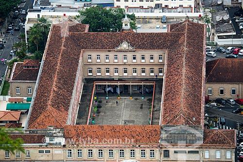 Vista do Campus Academia do Comércio (1891) - atualmente Colégio Cristo Redentor do Centro de Ensino Superior de Juiz de Fora (CES/JF) a partir do Mirante Salles de Oliveira - mais conhecido como Mirante do Cristo  - Juiz de Fora - Minas Gerais (MG) - Brasil