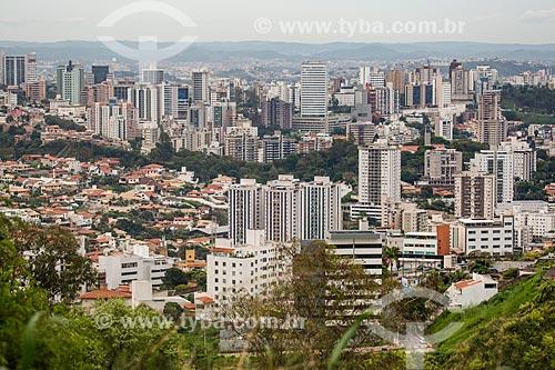 Vista de Belo Horizonte a partir do bairro Belvedere  - Belo Horizonte - Minas Gerais (MG) - Brasil