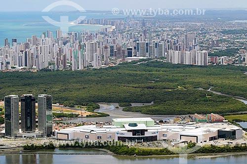 Vista geral do Shopping Rio Mar e do Parque dos Manguezais com os prédios do bairro de Boa Viagem ao fundo  - Recife - Pernambuco (PE) - Brasil