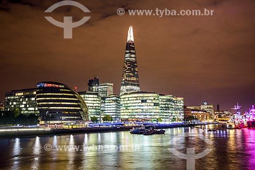 Vista de prédios às margens do Rio Tâmisa - com o The Snail - prédio da Prefeitura de Londres - e o Edifício The Shard (2012)  - Londres - Grande Londres - Inglaterra