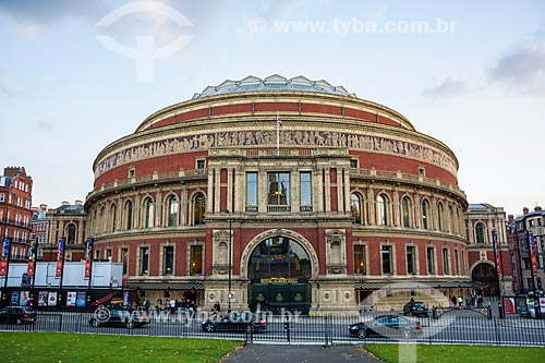 Fachada do Royal Albert Hall (1871) - inaugurado pela rainha Vitória, em memória do seu marido Príncipe de Saxe-Coburgo-Gota  - Kensington e Chelsea - Grande Londres - Inglaterra