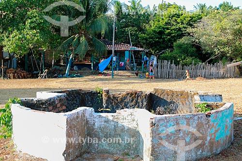 Poço próximo às ruínas do antigo templo na Vila de Joanes  - Salvaterra - Pará (PA) - Brasil