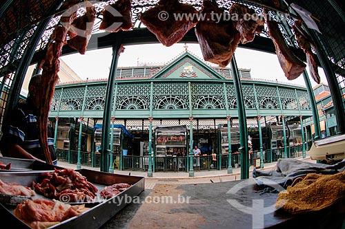Carne à venda no Mercado Municipal de Carne Francisco Bolonha (1857) próximo ao Mercado Ver-o-peso  - Belém - Pará (PA) - Brasil