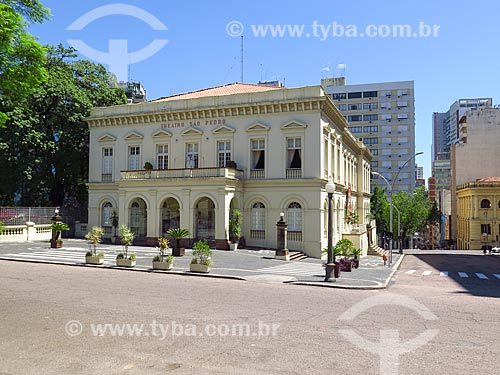 Vista do Theatro São Pedro (1858) a partir da Praça Marechal Deodoro - mais conhecida como Praça da Matriz  - Porto Alegre - Rio Grande do Sul (RS) - Brasil