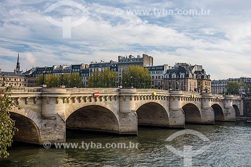 Vista da Pont des Arts (Ponte das Artes) sobre o Rio Sena  - Paris - Paris - França