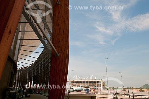 Canteiro de obras próximo à Arena Carioca 1 com o Centro Olímpico de Esportes Aquáticos ao fundo  - Rio de Janeiro - Rio de Janeiro (RJ) - Brasil