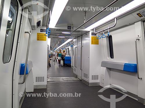 Interior de vagão do Metrô Rio  - Rio de Janeiro - Rio de Janeiro (RJ) - Brasil