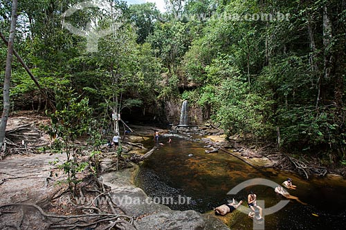 Turistas na Reserva Ecológica Cachoeira do Santuário  - Presidente Figueiredo - Amazonas (AM) - Brasil
