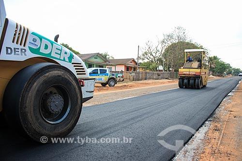 Pavimentação de estrada próximo à Porto Velho  - Porto Velho - Rondônia (RO) - Brasil