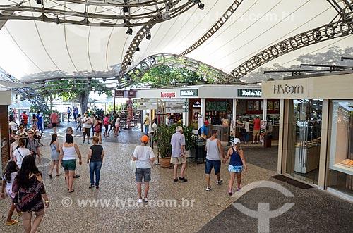 Turistas no centro comercial do Morro da Urca  - Rio de Janeiro - Rio de Janeiro (RJ) - Brasil