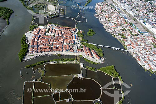 Casas na Ilha de Deus - Parque dos Manguezais - após a reurbanização  - Recife - Pernambuco (PE) - Brasil