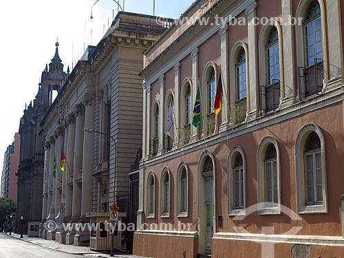 Fachada da Casa da Junta (1790) - atual Memorial do Legislativo - com o Palácio Piratini e a Catedral Metropolitana de Porto Alegre ao fundo  - Porto Alegre - Rio Grande do Sul (RS) - Brasil