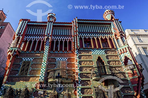 Fachada da Casa Vicens - casa de verão desenhada por Antoni Gaudí  - Barcelona - Província de Barcelona - Espanha