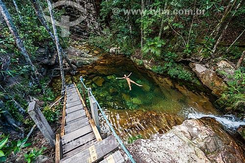 Banhista no Poço do Curupira no Parque Nacional da Chapada dos Veadeiros  - Alto Paraíso de Goiás - Goiás (GO) - Brasil