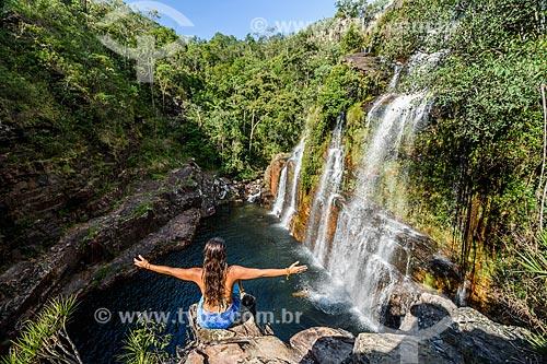 Mulher na Cachoeira Almécegas I no Parque Nacional da Chapada dos Veadeiros  - Alto Paraíso de Goiás - Goiás (GO) - Brasil