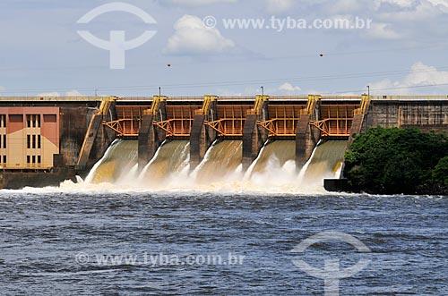 Vertedouro da Usina Hidrelétrica de Barra Bonita  - Barra Bonita - São Paulo (SP) - Brasil
