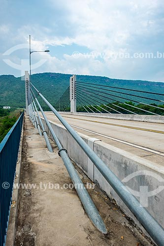 Detalhe dos cabos da Ponte Imigrantes Nordestinos Padre Cícero José de Sousa (2011) sobre o Rio Tocantins  - Lajeado - Tocantins (TO) - Brasil