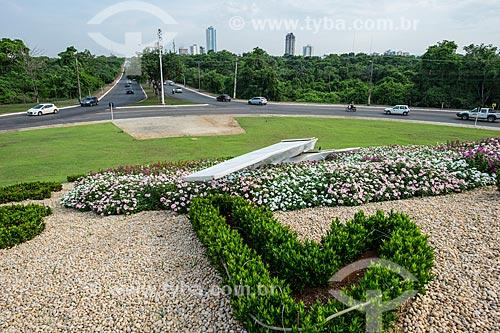 Relógio de flores na Avenida NS 2 - movido à Energia solar  - Palmas - Tocantins (TO) - Brasil