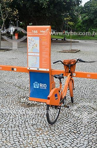 Bicicleta pública - para aluguel - próximo ao Aeroporto Santos Dumont (1936)  - Rio de Janeiro - Rio de Janeiro (RJ) - Brasil