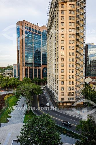 Vista do Centro Empresarial RB1 - ao fundo - com o Edifício Joseph Gire (1929) - também conhecido como Edifício A Noite   - Rio de Janeiro - Rio de Janeiro (RJ) - Brasil