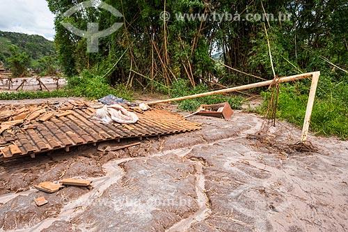 Ruína de casa no distrito de Paracatu de Baixo após o rompimento de barragem de rejeitos de mineração da empresa Samarco em Mariana (MG)  - Mariana - Minas Gerais (MG) - Brasil