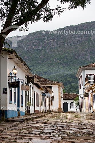 Casarios da Rua Direita Resende com a Serra de São José ao fundo  - Tiradentes - Minas Gerais (MG) - Brasil