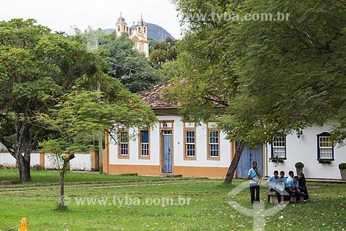 Banda marcial com a Igreja Matriz de Santo Antônio (século XVIII) ao fundo  - Tiradentes - Minas Gerais (MG) - Brasil