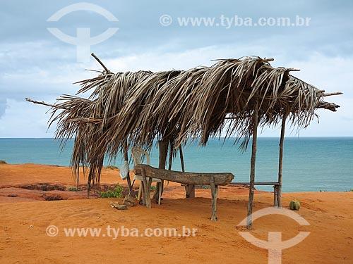 Barraca com teto feito de palha próximo a Praia das Cacimbinhas  - Tibau do Sul - Rio Grande do Norte (RN) - Brasil