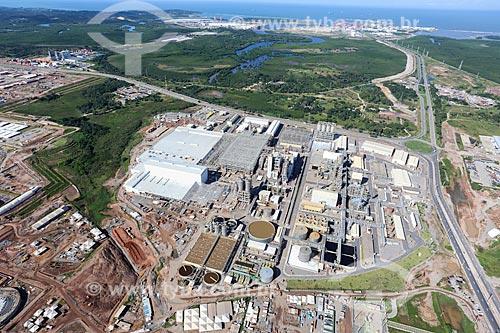 Foto aérea do Complexo Petroquímico de Suape com o Complexo Portuário de Suape ao fundo  - Ipojuca - Pernambuco (PE) - Brasil