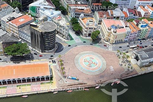 Foto aérea da Praça do Rio Branco - também conhecido como Marco Zero - com o Rio Capibaribe ao fundo  - Recife - Pernambuco (PE) - Brasil