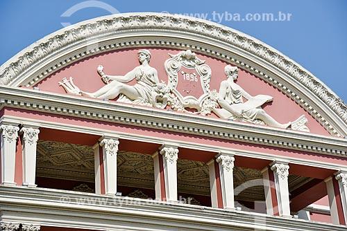 Detalhe da fachada do Teatro Amazonas (1896)  - Manaus - Amazonas (AM) - Brasil