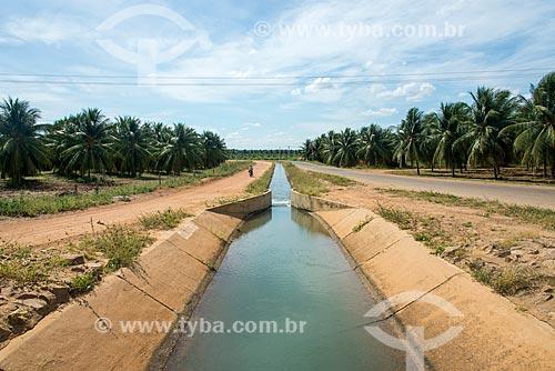 Canal secundário de irrigação e aqueduto do Projeto Nilo Coelho - Vale do São Francisco  - Petrolina - Pernambuco (PE) - Brasil