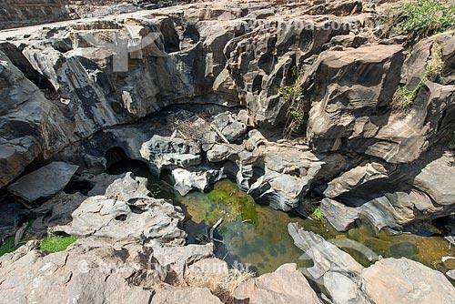 Geossítio Cachoeira de Missão Velha - Rio Salgado na seca -  Parque Natural Municipal da Cachoeira de Missão Velha - no Geoparque Araripe  - Missão Velha - Ceará (CE) - Brasil