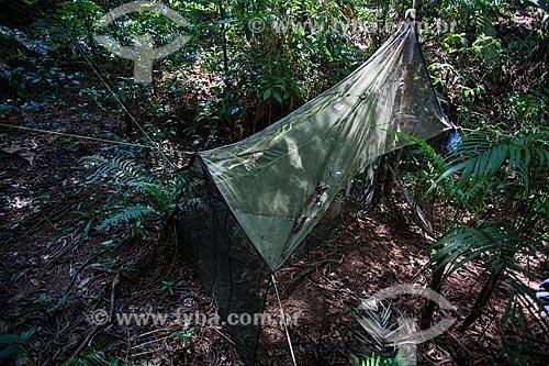 Armadilha de barreira de vôo (Malésia) para capturar insetos na sede Guapimirm do Parque Nacional da Serra dos Órgãos  - Guapimirim - Rio de Janeiro (RJ) - Brasil