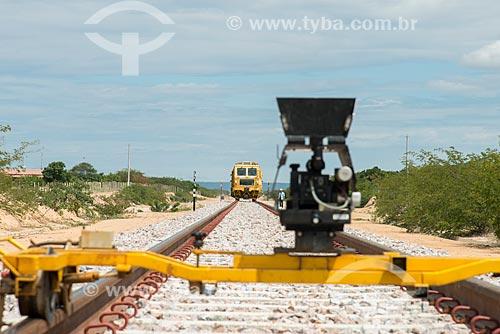 Ferrovia Transnordestina - equipamento a laser que verifica o alinhamento dos trilhos  - Trindade - Pernambuco (PE) - Brasil