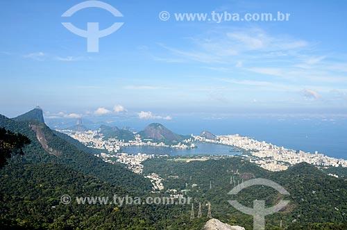 Vista geral a partir da trilha do Morro do Queimado com o Cristo Redentor, Lagoa Rodrigo de Freitas e o Pão de Açúcar ao fundo  - Rio de Janeiro - Rio de Janeiro (RJ) - Brasil