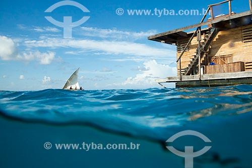 Jangada próxima a habitação submarina do Manta Resort Hotel na Ilha de Pemba  - Ilha de Pemba - Tanzânia