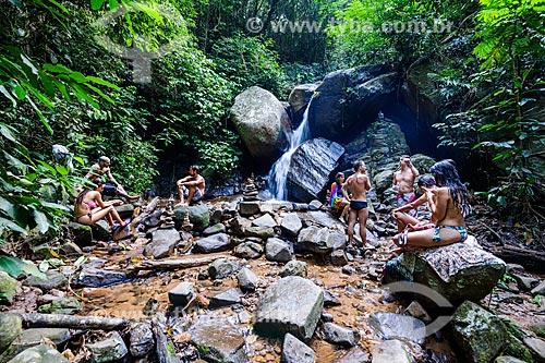 Banhistas na cachoeira do Solar da Imperatriz  - Rio de Janeiro - Rio de Janeiro (RJ) - Brasil