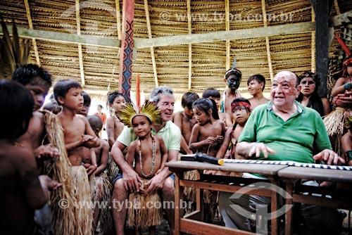 Senador Jorge Viana e João Donato durante o Festival Yawanawá na aldeia da tribo Yawanawá  - Tarauacá - Acre (AC) - Brasil