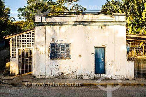 Fachada do antigo Laboratório de Cultivo de Moluscos Marinhos da Universidade Federal de Santa Catarina  - Florianópolis - Santa Catarina (SC) - Brasil