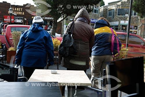 Mulheres com casaco na cidade de El Calafate  - El Calafate - Província de Santa Cruz - Argentina