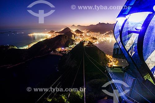 Vista da Praia Vermelha do Pão de Açúcar com as Praias de Ipanema e Copacabana ao fundo durante o anoitecer  - Rio de Janeiro - Rio de Janeiro (RJ) - Brasil