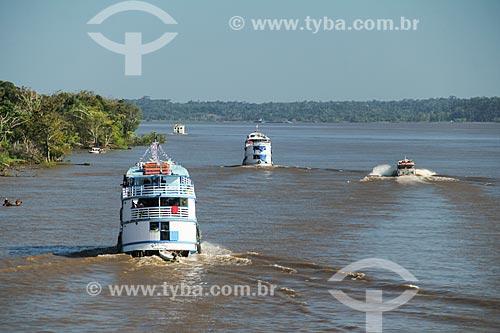 Barcos no Rio Amazonas  - Careiro da Várzea - Amazonas (AM) - Brasil