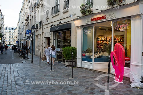 Fachada de loja das sandálias Havaianas  - Paris - Paris - França