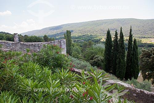 Vista da Abadia de Saint-Hilaire (século VIII)  - Gordes - Departamento de Vaucluse - França