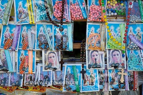 Detalhe de artigos religiosos à venda na cidade de São José de Ribamar  - São José de Ribamar - Maranhão (MA) - Brasil