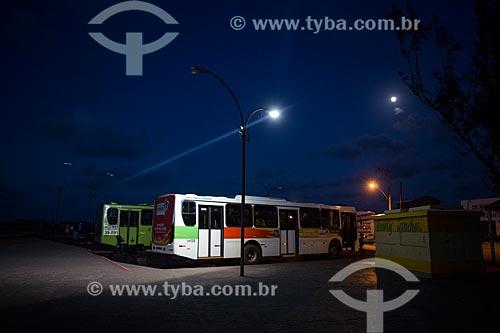 Ônibus na rodoviária da cidade de Raposa  - Raposa - Maranhão (MA) - Brasil