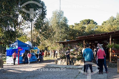 Barracas em praça da Colônia Italiana do Mergulhão  - São José dos Pinhais - Paraná (PR) - Brasil